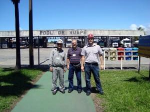 Guilherme (à dir.) e a equipe da BR Distribuidora no Terminal de Suape